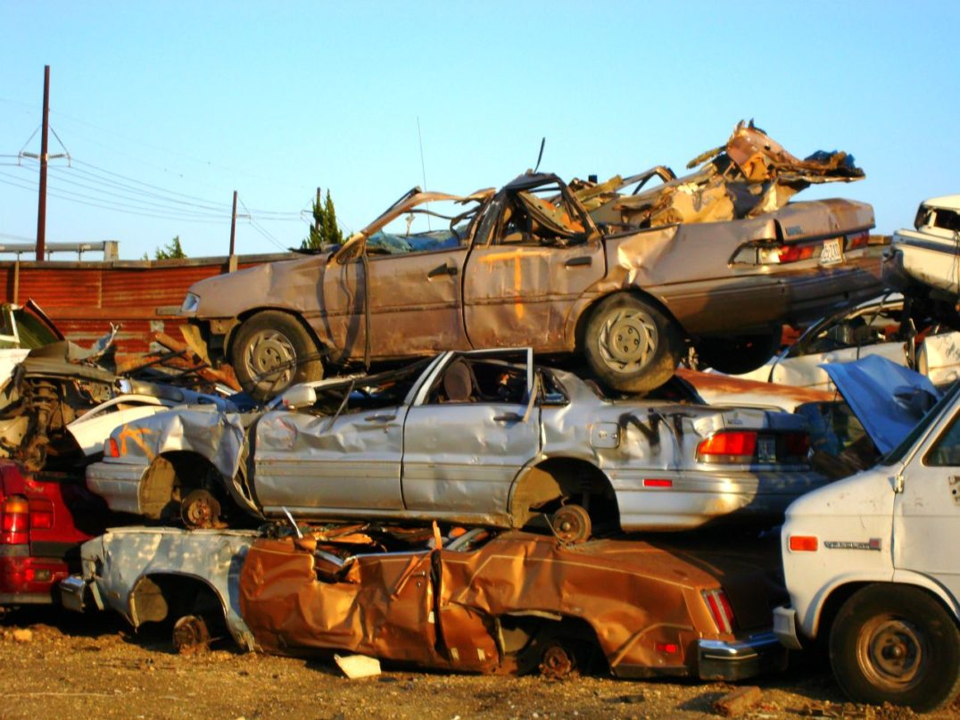 Junk Cars: http://www.allamericanrecycle.com/what-we-buy/iron/